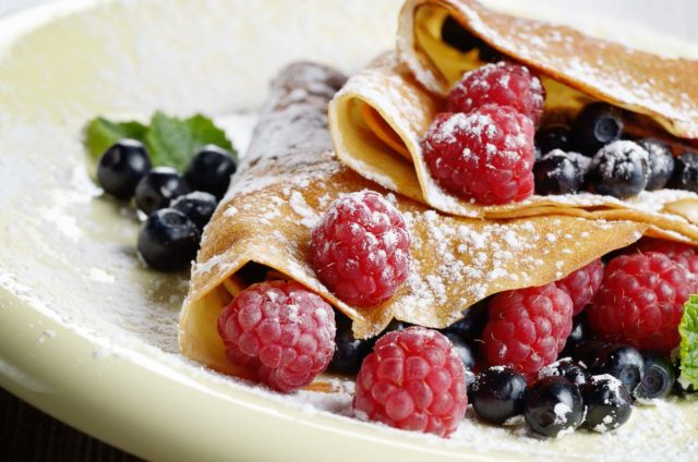 Finger_millet_crepes_fruits_strawberries_raspberries_recipe_shutterstock_231401329.jpg