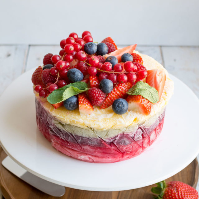 Yoghurt layer cake 6.jpg