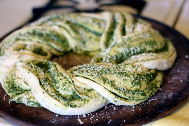 Kale pesto braided bread_lyk9.jpg