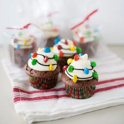Creative holiday cupcake recipes 1 5a25483652cdb__700.jpg