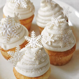 Creative holiday cupcake recipes 240 5a2e7a5e65cf2__700 1.jpg