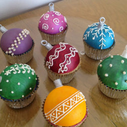 Creative holiday cupcake recipes 267 5a2e585bb7102__700.jpg