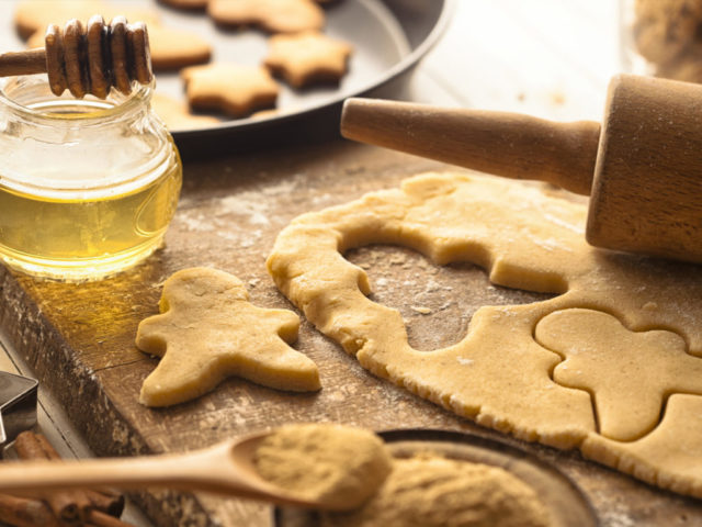 Diet nutrition_recipes_ginger cookies_2716x1810_000078035111 1024x768.jpg