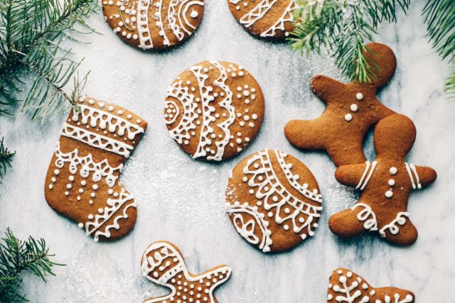 Easy paleo gingerbread cookies 11 of 21.jpg