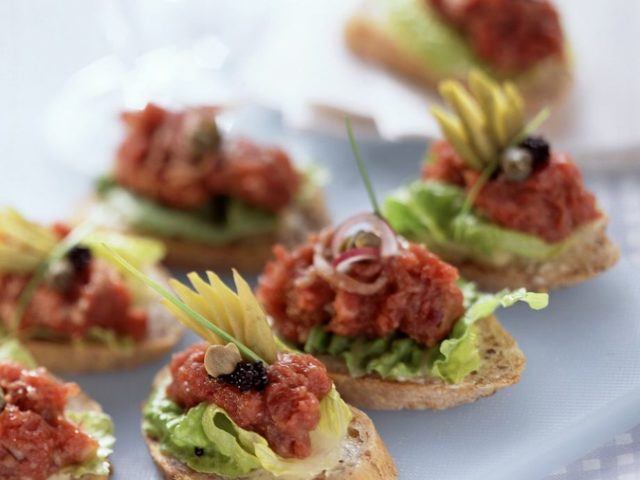 Steak tartare appetizers 546174.jpg