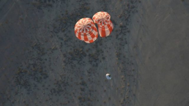 361865_nasa_spacecraft_parachute_test_98374 b8cb927d07e449f5a1571132707bbb46 676x406.jpg