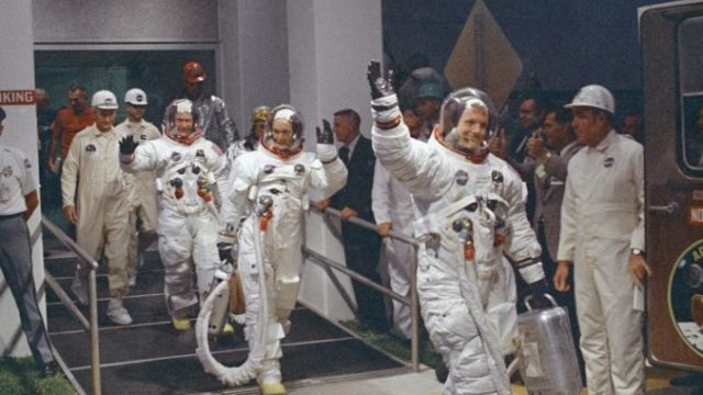 381858_astronaut_collection_auctions_64790 e7cce3f59be4427fa523cf487f4a2641 676x444.jpg