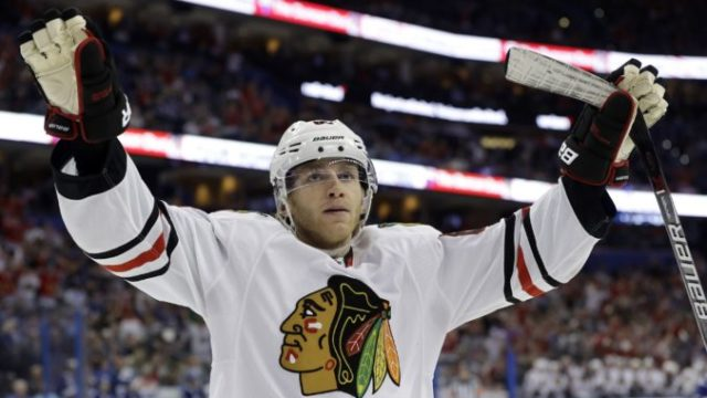 402833_patrick kane chicago blackhawks 676x438.jpg