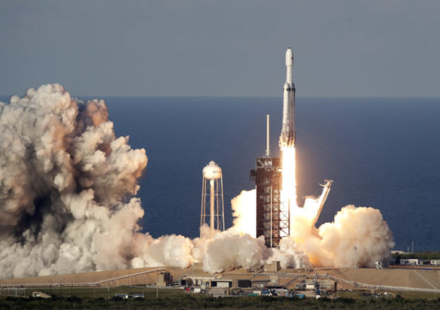 409372_falcon heavy 1 676x476.jpg