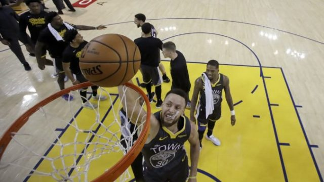 413312_stephen curry golden state warriors play off nba 676x412.jpg