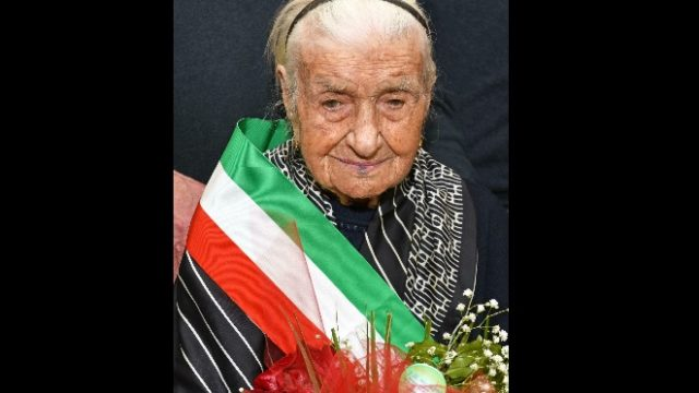 416778_italy_europe_oldest_woman.jpg