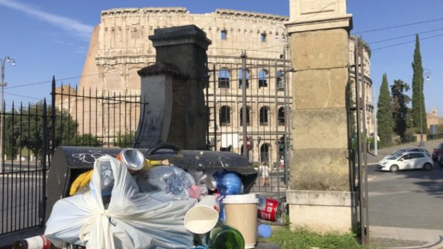 417486_italy_garbage_crisis_65248 f202158fdeee444ebe4a577127108480 676x507.jpg
