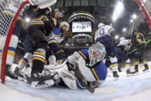 418981_jordan binnington st. louis blues nhl 676x454.jpg