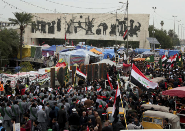 431011_iraq_protests_24925 e22b50ac2e774666a39c17ffb328fa51 676x480.jpg