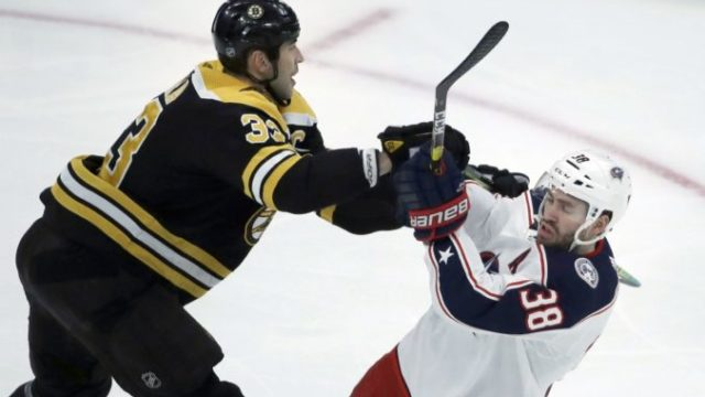 432698_zdeno chara boone jenner nhl boston bruins columbus blue jackets 676x451.jpg