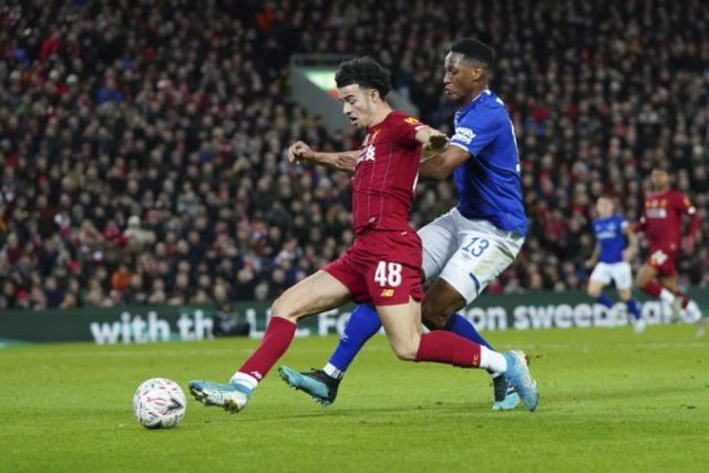 432894_curtis jones yerry mina fc liverpool fc everton fa cup 676x451.jpg