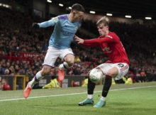 433009_phil foden brandon williams manchester city manchester united ligovy pohar semifinale 676x497.jpg