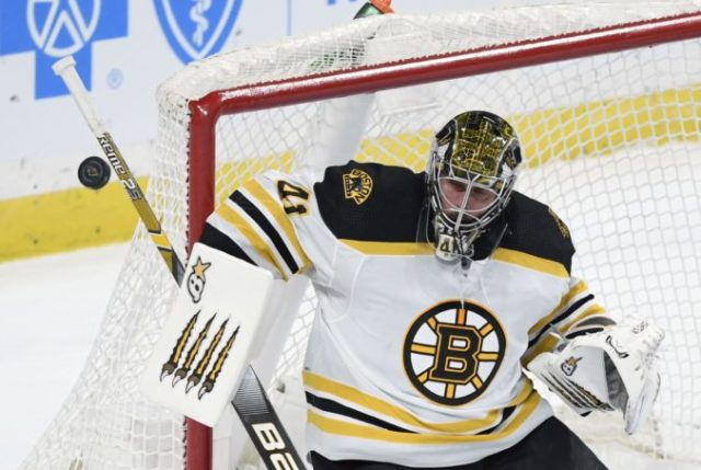 434773_jaroslav halak nhl boston bruins 676x453.jpg