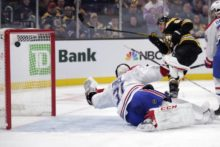 435194_carey price david pastrnak nhl montreal canadiens boston bruins 676x451.jpg