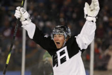 435382_aptopix_kings_avalanche_hockey_67142 cbc5a7f934ac47ae86645475a219e2bb 676x451.jpg