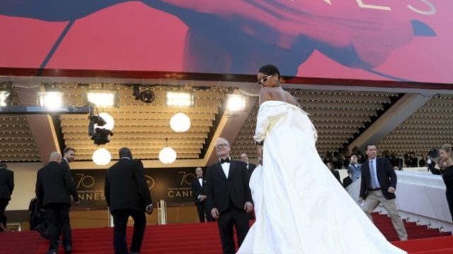 437474_france_cannes_2017_okja_red_carpet_58388 1b8a30cb32d84ac3a8669c85f5278dfc 676x556.jpg