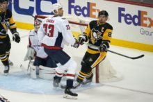 455507_zdeno chara sidney crosby washington capitals pittsburgh penguins nhl 676x451.jpg