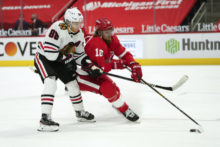 458106_blackhawks_red_wings_hockey_99285 071b59d50c654292beb3c1956d8e1784 676x451.jpg