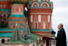 462265_russia_red_square_parade_08124 bc24c40312124463bbaed6a071776476 676x451.jpg