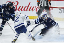 462614_maple_leafs_jets_hockey_83580 d845d6936ef64882acd694b99c3189f1 676x451.jpg