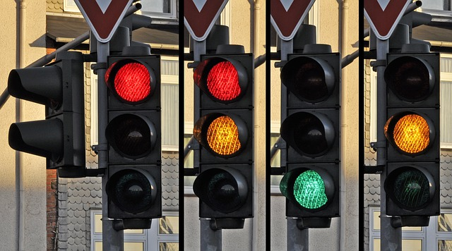 Traffic light 876050_640.jpg
