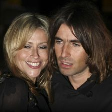 Liam Gallagher, Nicole Applet