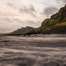 Shore_of_the_isle_of_skye.jpg