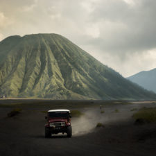 Driving_around_in_volcanic_ashes_indonesia.jpg
