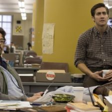 12384210 still of robert downey jr and jake gyllenhaal in zodiac 2007 large picture 1487834587 650 b0725c3bd7 1489783179.jpg