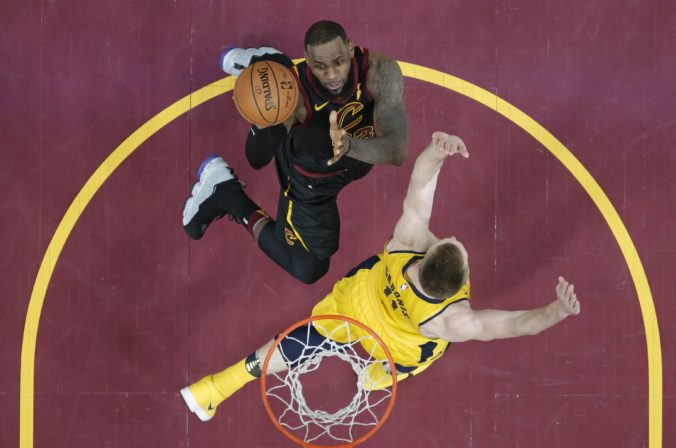 LeBron James, Domantas Sabonis