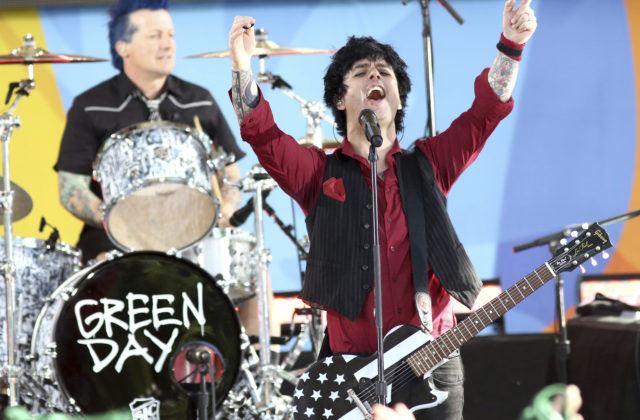 logo Billie Joe Armstrong z Green Day a Tim Armstrong z Rancid založili superskupinu Armstrongs