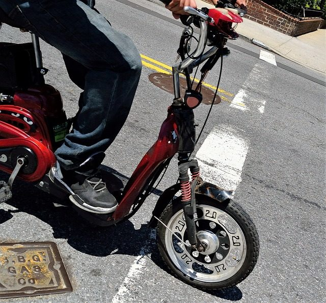 Red scooter 2851320_640.jpg
