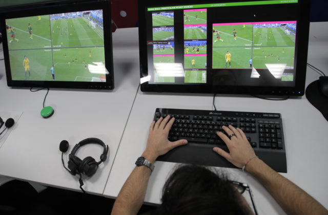 34921_russia_soccer_wcup_video_assistant_referee_11645 892f3b37c6a5464d942bb33dc6c544ef 640x420.jpg