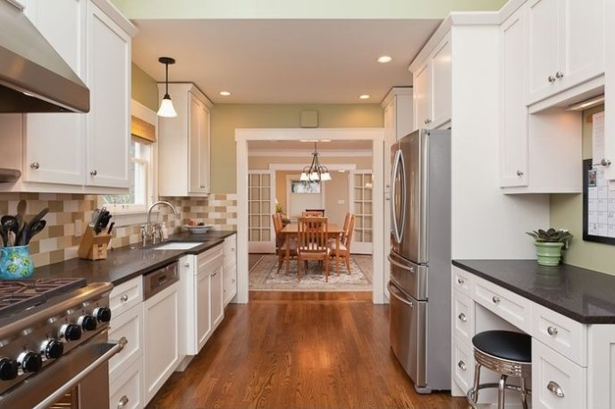 Post_modern kitchen with pendant lights and shaker cabinets i_g is qw98e96tuonx ahdsg.jpg