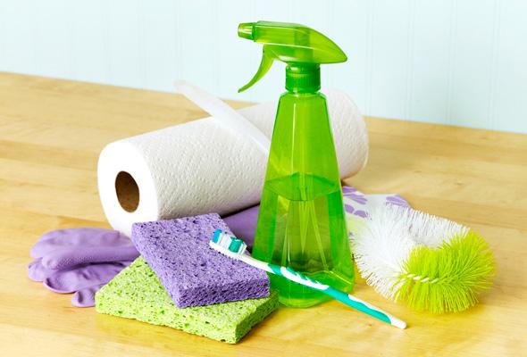 7 must have cleaning tools bathroom 1 size 3.jpg