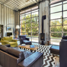 18 irresistible industrial living room designs that will take your breath away 13.jpg