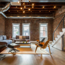 18 irresistible industrial living room designs that will take your breath away 17.jpg