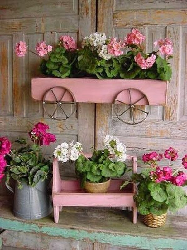 Vintage gardens with old recycled objects20.jpg